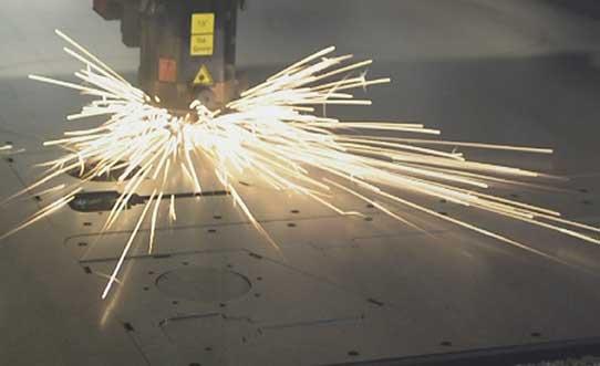 Trenntechnik mit unterschiedlichen Laserverfahren